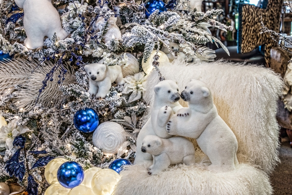 Christmas-Polar-Bear-Scene-Hall-Lighting-and-Design