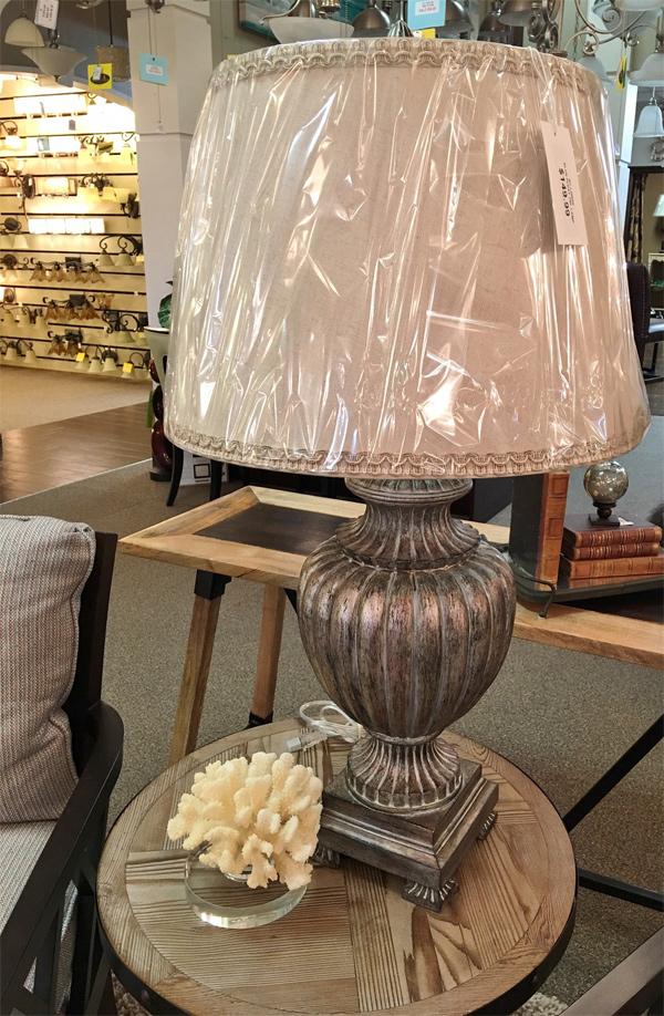 Hall-Lighting-&-Design---Decorative-Table-Lamp-2