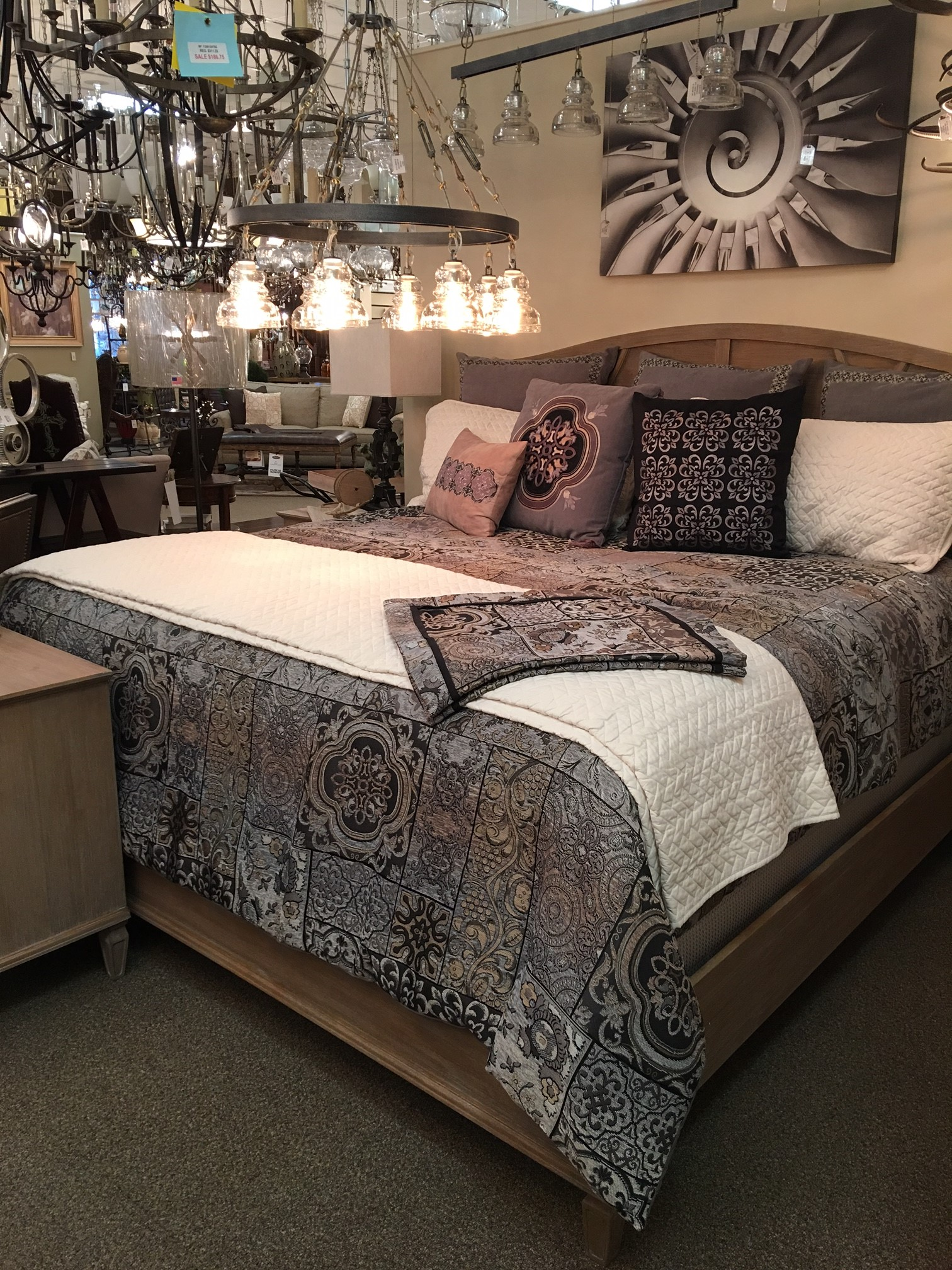 Victoria King Bed
