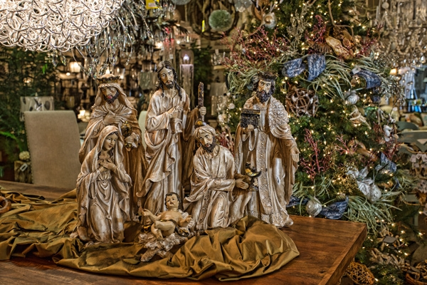 Nativity-Scene-Hall-Lighting-and-Design